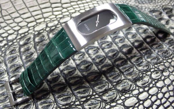 GUCCI時計/クロコダイル(艶グリーン)/オーダーベルト/電池交換/本体尾錠磨き直し