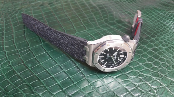 AUDEMARS PIGUET ROYAL OAK OFFSHORE DIVER × FULLBRIDGE GALUCHAT