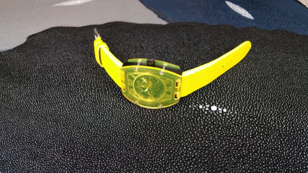 Toy Watch(トイウォッチ)/ガルーシャ(エイ革・スティングレイ・スティングレー)/時計ベルトオーダーメイド/裏地ラバー(FULLBRIDGE別注ラバー)/コバ仕上げ/純正尾錠(美錠)使用/その他素材クロコダイルでも製作可能