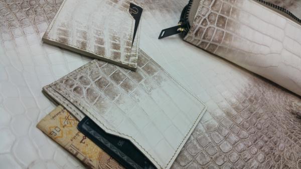 【FULLBRIDGEdesign】マット(艶なし)ヒマラヤクロコダイル皮革/オーダーメイド(小物、カードケース&少量名刺入れ、クレジットカード&お札入れ、尻尾ペンケース、ダブル(2種類入れられる)名刺入れ)