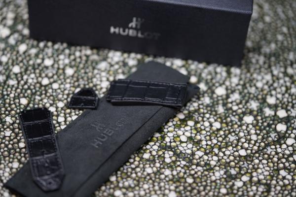 HUBLOT(ウブロ)純正クロコダイル×ラバーベルトサイズ加工