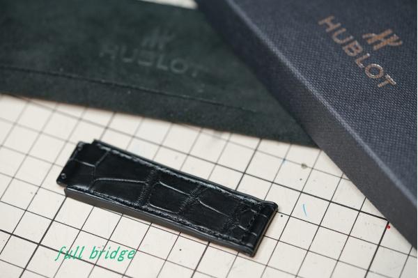 HUBLOT(ウブロ)純正クロコダイル×ラバーベルト12時側のみサイズ加工調整