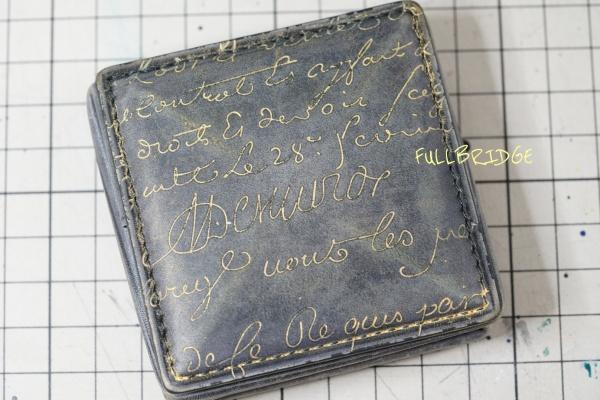 Berluti(ベルルッティ)・Coin case/小銭入れ(コインケース)・カリグラフィ・シルバー(プラチナ)パティーヌ・ゴールデン(ゴールド)パティーヌの依頼/パティーヌを施しました。
