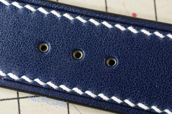 Watch Strap Bespoke Hand Stitch/ウォッチストラップ(時計ベルト)・菱目打ちハンドステッチ(手縫い)/コバ(切り目)磨き仕上げ・ネイビー牛革 x 白ステッチ x FULLBRIDGE別注製作ラバー/フルオーダーメイド(ビスポーク)