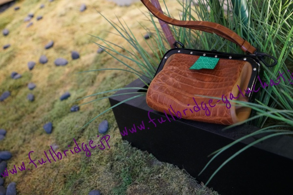 Crocodile Bespoke Bag /車掌バッグ・クロコダイル・フルオーダー・金具マットブラック仕上げ・内装ピックスエード