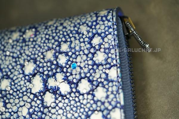 世界初・世界最高級・世界一高い財布・世界一高額な財布・メンズ財布・イバラエイ面ダイヤモンド(VS1 up)91p x 色石(ブルー,ピンク)2p x イバラエイ(梅花皮,カイラギ)スタースティングレイ フルオーダーメイド ラウンドファスナー長財布 x ハンドステッチ x コバ(切り目)仕上げ x 引き手ワンオフ制作(サンドブラスト加工) x ブラックダイヤモンド x 内装フルオーストリッチ別注ゴールデン加工